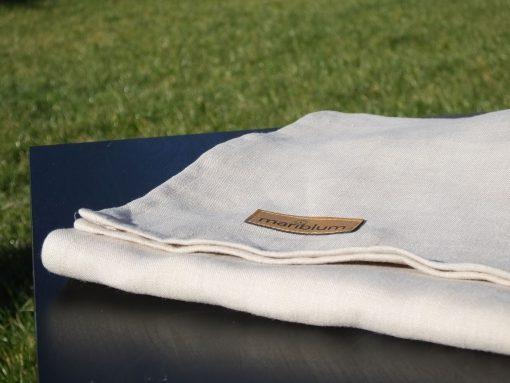 natur-tragetuch-ring-sling-im-sonnenlicht