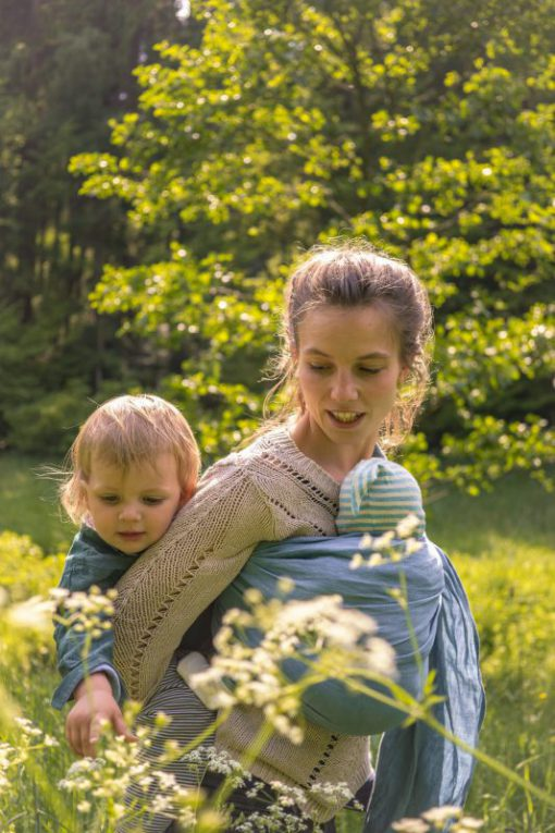 easy babywearing with newborn and toddler