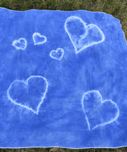 blue-baby-blanket-made-of-cotton-little-hearts-plant-dye